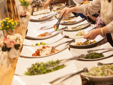 Jak dobrać menu na evencie firmowym?
